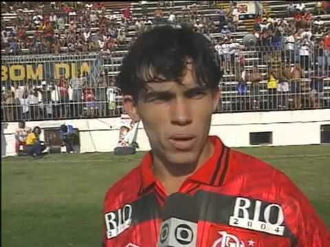 Em 1996, Flamengo perde para o Bahia por 1 a 0 e resultado rebaixa o Fluminense
