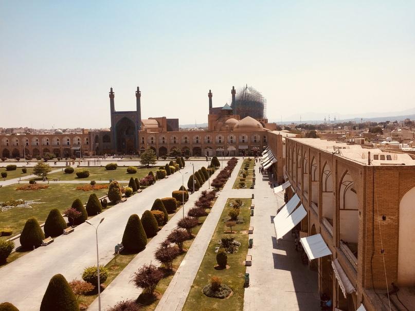 Путешествие в иран часть 9. Вид на площадь Naqsh-e jahan и реставрируемую мечеть Имама