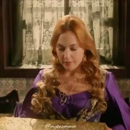 """Хюррем Султан on Instagram: """"Судьба короны Хюррем Султанавеликолепныйвек великолепныйвеккёсем"""""""