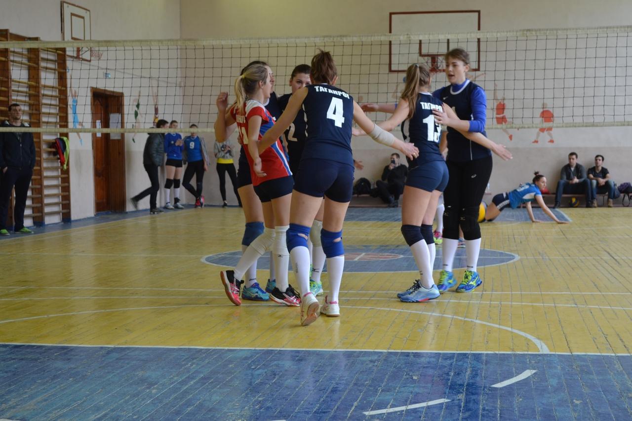 Таганрогские волейболистки одержали уверенную победу на чемпионате Ростовской области