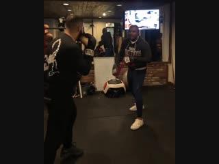 Тренировка Drake по боксу