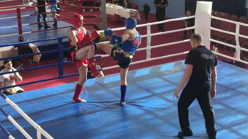 Кубок МО по тайскому боксу, Зинаков Евгений (синий угол) 2-й раунд