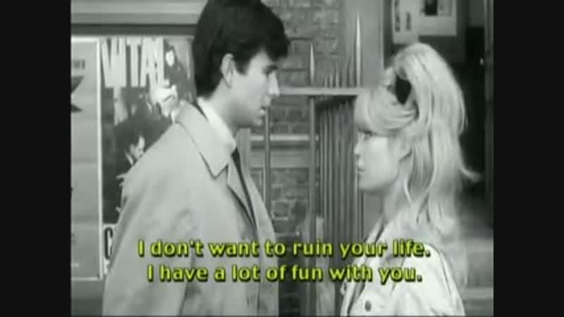 Une Ravissante Idiote - 1964 - English Subtitle