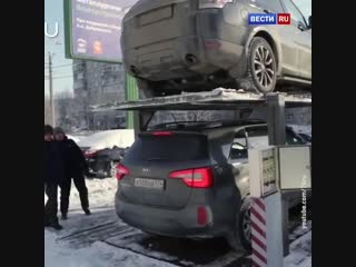 Будущее уже наступило. Обычная стоянка в спальном районе Челябинска.