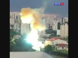 Жители Сан-Паулу запечатлели на видео масштабную аварию на электросетях
