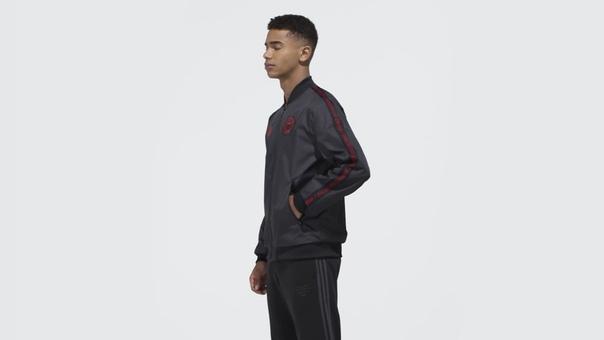 Гимновая куртка Манчестер Юнайтед