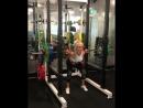 Лорен Симпсон приседает 125 кг на 2 раза