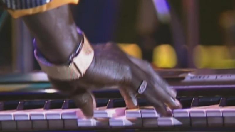 Miles Davis _u0026 Chaka Khan Human Nature (live in Montreux 1989)