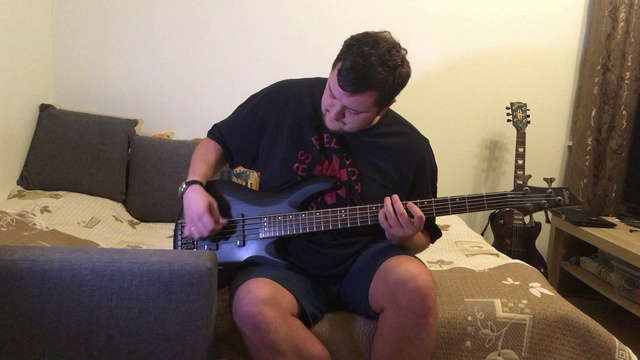 Pet Sematary (RAMONES Guitar Bass cover) with Joey Ramone vocals