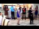 Люди смешно танцуютПодборка смешных танцев