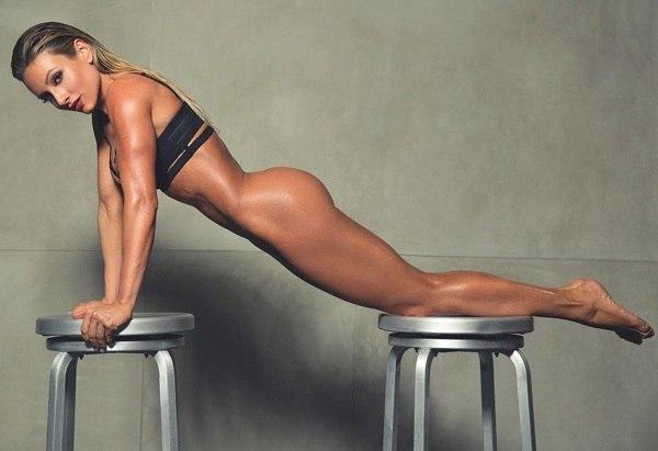Голые спортсменка и её тренерша россии фото присоединяюсь