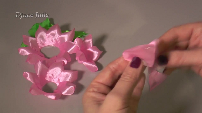 Цветы Канзаши из атласных лент _ D.I.Y. KANZASHI _Djuce Julia