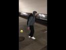 LIL MORTY танцует в метро