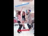 Жоана и Сара танцуют в перерывах между съемками