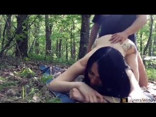 Порно домашние в лесу миньет
