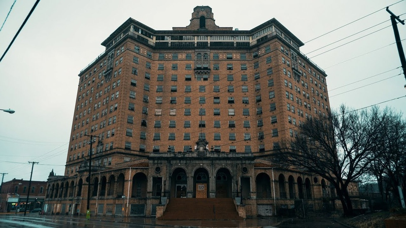 Exploring the Abandoned Baker Hotel - 1920s Hotel in Decay