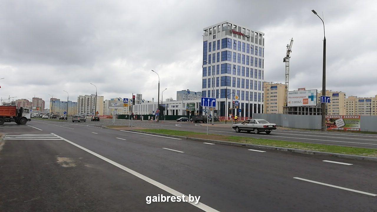 Запретили поворот налево с Варшавского шоссе на бульвар Шевченко
