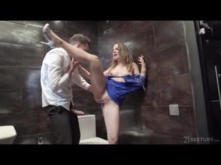 teyzesinin kızını toilette sikiyor ensest porno