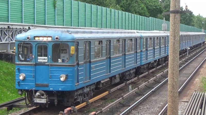 Электропоезд 81-710