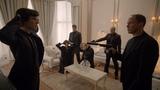 Бандиты заставляют Шерлока открыть сейф. Шерлок. 2012