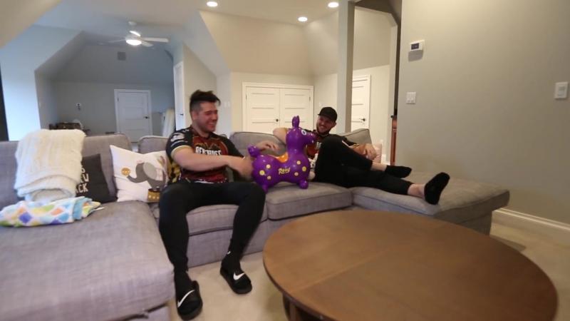 Utah_Jazz_Jonas_Jerebko_–_Renegades_team_owner_-_Hyp