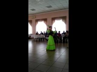 VID 20180318 Наргуль танцет на юбелеие аташки Серик 60 летие 17 02 2018г