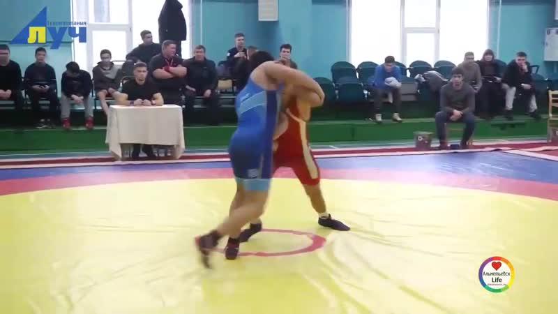 В Альметьевске прошли соревнования по греко-римской борьбе