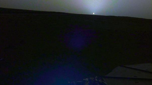 InSight сфотографировал марсианский рассвет и закат