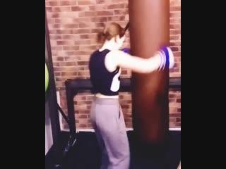 Девушки в боксе 👊