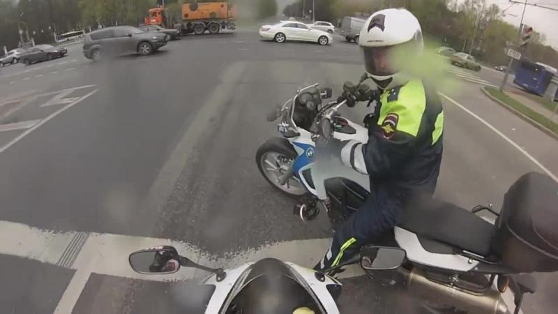 Ушёл от мотобата-на мотоцикле