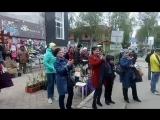 Музыка американских индейцев на площадке Городского рынка