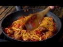 Добавляем желток в сковороду и получаем экзотическое блюдо из простых макарон!