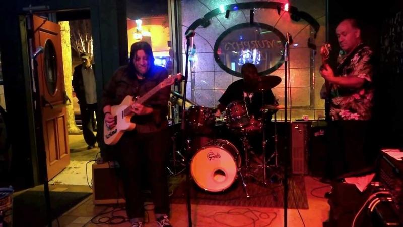 Laura Chavez - Incredible guitarist!