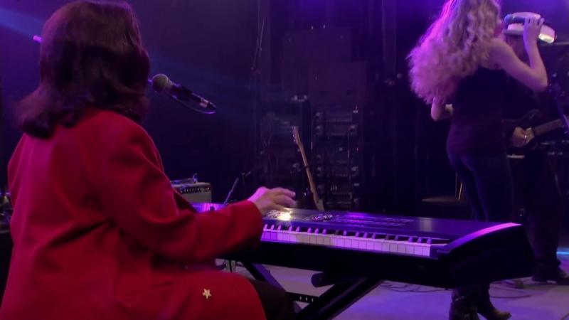 Linda Gail Lewis - Good Golly Miss Molly w⁄ Annie Marie Lewis