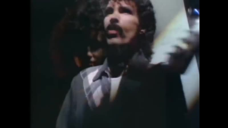 DARY HALL JOHN OATES - Maneater (Official Music Video)