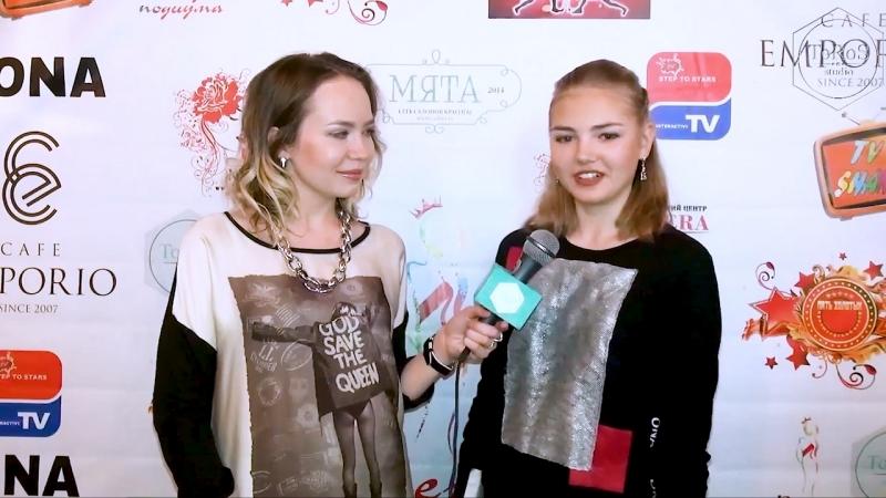ToRoS studio интервьюирует юных моделей.