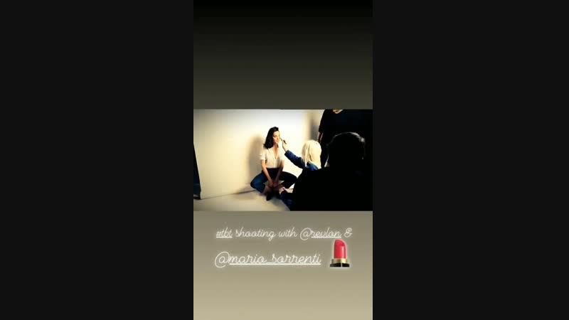 Maravilhosa! Gal Gadot compartilhou em seu instagram stories esse vídeo dos bastidores do ensaio que a mesma realizou com a Revl