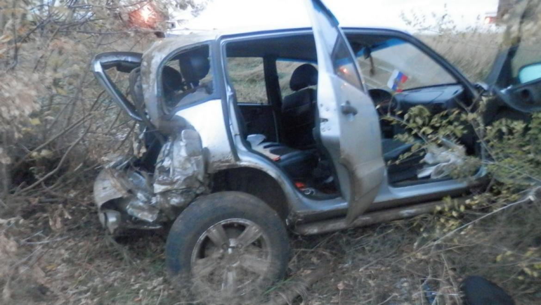 Под Даусузом разбились «Нива» и «BMW»