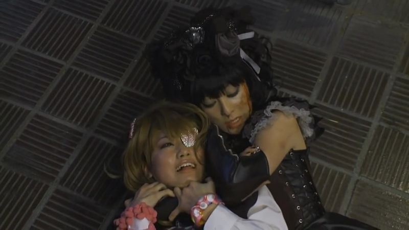 Woman strangling woman to dea1h - Gothic and Lolita Psycho 2010