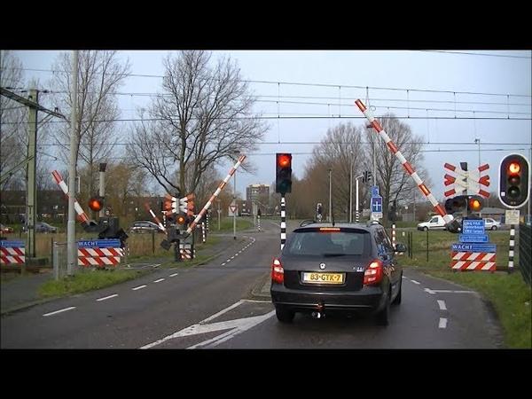 Spoorwegovergang Beverwijk Dutch railroad crossing