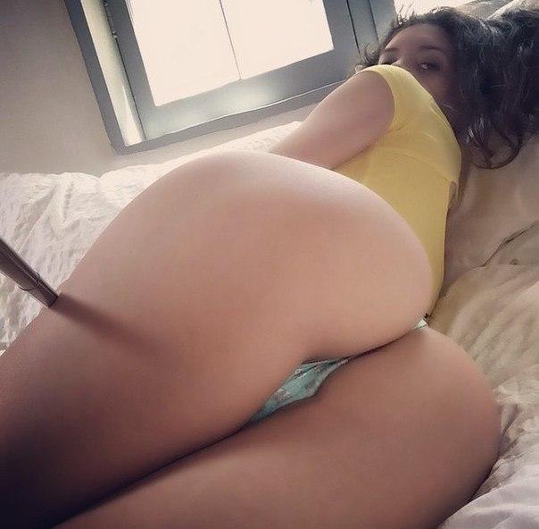 Teen chick revenges her stud clip