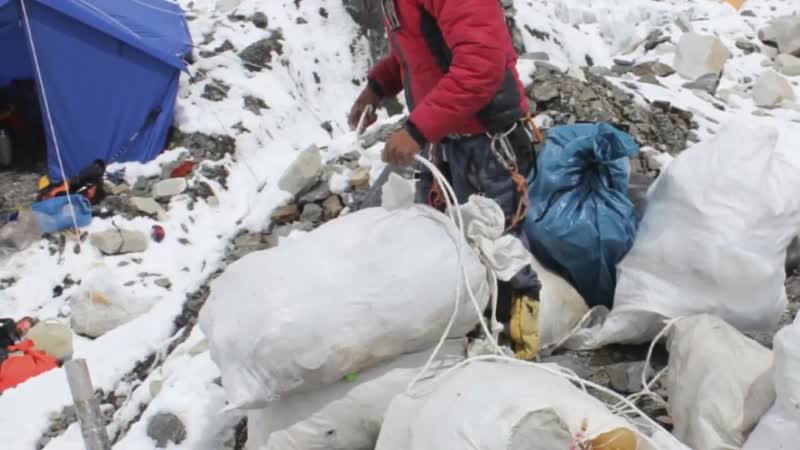 Mount Everests Garbage Problem