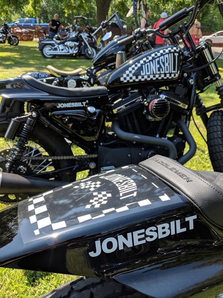 Jonesbilt: трекер H-D Sportster Hooligan