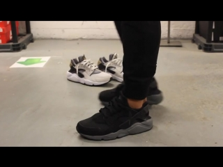 Vidmo_org_Nike_Air_Huarache_-_Black_-_Anthracite_On-feet_Video_at_Exclucity_854.mp4