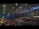 Полный зал Wiener Stadthalle в ожидании шоу Queen Adam Lambert 8'11'17