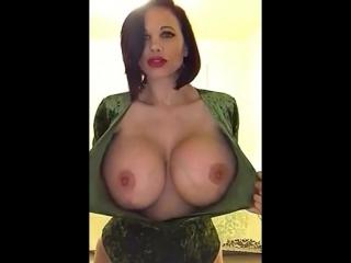Безупречно... #сиськи #большиесиськи #грудь #milf #tits #boobs #busty #mature #hugeboobs