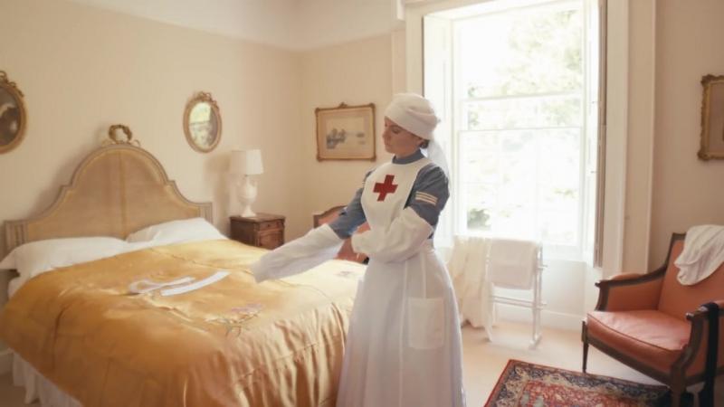 медсестра 19-20 век Getting Dressed - VAD Nurse