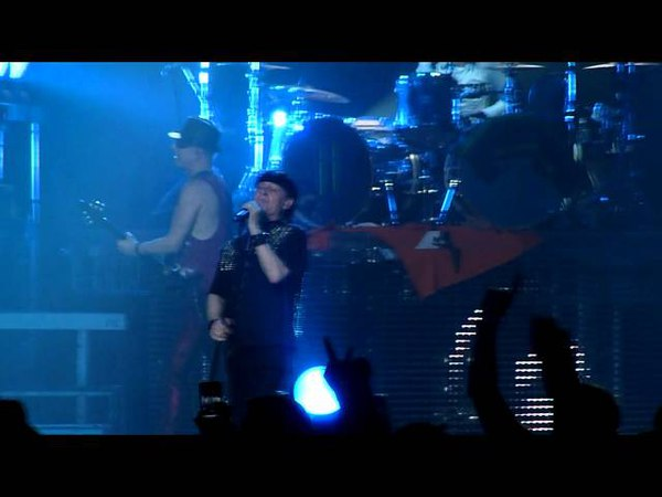 Scorpions - Raised On Rock (Live in Moscow, Crocus City Hall, 26.04.2012)