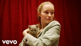 Sigrid sings to kittens, then talks Nature, Cats, and her new EP Raw httpsmacj.ru