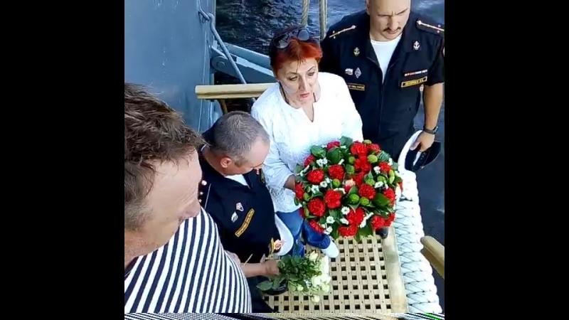 возложение венка морякам подводникам